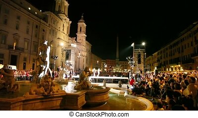 Many people gathered to see Participants Miss Rome 2010 on Piazza Navona