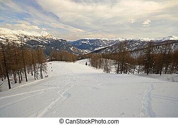 rondborstig, ski, reis, helling, in, landschap, val