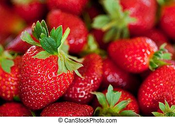 rood, aardbeien