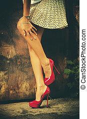 rood, hoge hiel schoenen