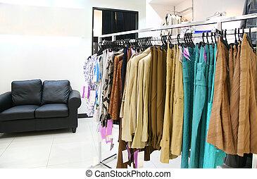 ropa, en, estante, en, tienda