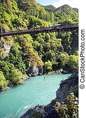 ropejumping, en las montañas, de, nueva zelandia