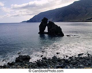 Roque de la Bonanza, Hierro - Natural rock arch - Roque de...