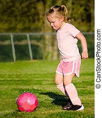 rosa, carino, giovane, campo, ragazza, calcio, gioco