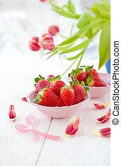 rosa, fresas frescas, tul, rojo