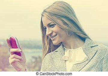 rosa, gehen, frau, junger, mobilfunk