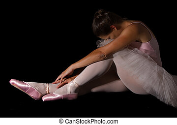 rosa, hembra, sentarse, piso, triste, mirar, bailarín, llave...