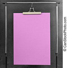 rosa, manifesto, appendere, a, uno, vestiti, cremagliera.