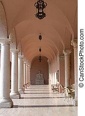 rosa, marmor, hallway2