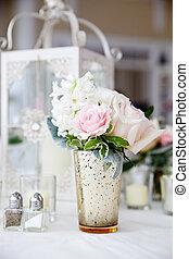 rosa, mazzolino, serie, -, decorazione, matrimonio, tavola, bianco