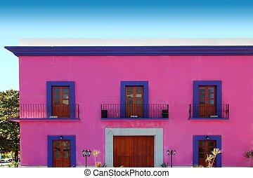 rosa, mexikanisch, hölzernes haus, türen, fassade