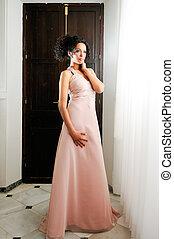 rosa, moda, joven, mujer negra, modelo, vestido