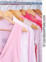 rosa, mode, wandschrank, womens, store., kleiderbügel, ...