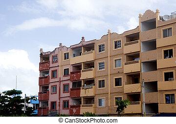 rosa, naranja, rojo, apartamentos