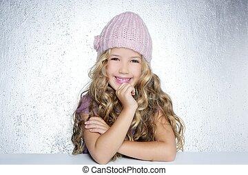 rosa, poco, invierno, gorra, retrato, muchacha que sonríe, gesto