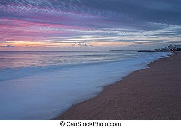 rosa, sonnenuntergang, strand, in, quarteira., portugal, für, tourists.