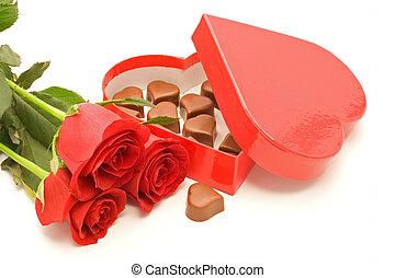rosas, e, chocolate, em, coração amoldou cofre