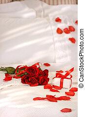 rosas rojas, en, un, cama
