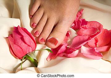 rose, femme, arrangé, pousse feuilles, pédicure