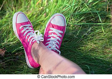 rose, jambes, girl, herbe, espadrilles