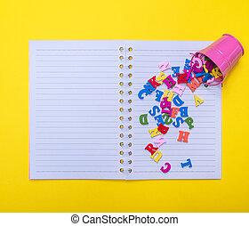 rose, lettres, coloré, bois, dispersé, seau, fer