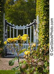 roses, porte jardin