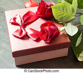 roses rouges, et, cadeau, pour, jour valentine
