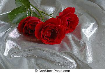 roses, soie, arrière-plan rouge, fête