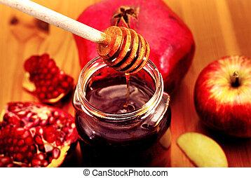 Rosh Hashana Traditional Food - Traditional jewish food,...