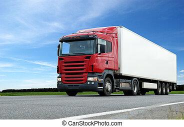 rosso, camion, con, bianco, roulotte, sopra, cielo blu