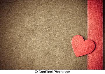 rosso, legno, decorativo, cuore, su, beige, stoffa, fondo.