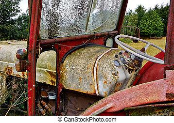 rostig, gammal, övergiven, traktor