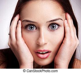 rosto, de, espantado, mulher jovem