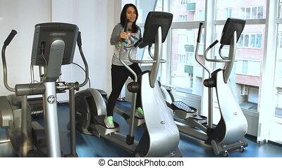 Beautifull female during exercise o