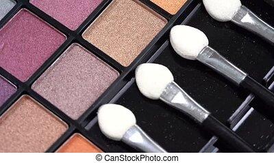 eye shadows palette - Rotating eye shadows palette wih make...