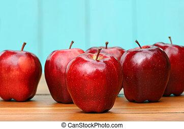 rote köstliche äpfel, auf, altes , bilden schreibtisch
