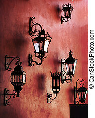rote wand, mit, lampen