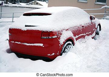 rotes auto, bedeckt