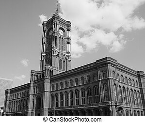 Rotes Rathaus in Berlin in black and white - Rotes Rathaus...