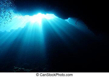 rottura, subacqueo, raggi sole, indonesia, attraverso, ...
