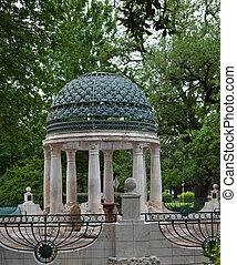 A memorial rotunda near Hermann Park, Houston, Texas