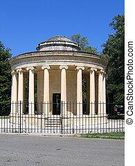 Rotunda with Ionic columns