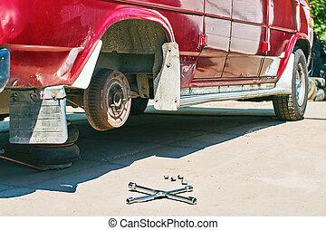 roue, extérieur, vieux, service, pneu, vendange, changer, fourgon, ou, voiture rouge
