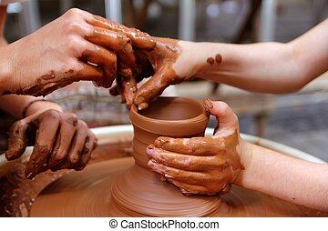 roue, poterie, travail, potier, atelier, mains, argile, prof