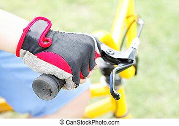 roue, vélo, garçon, main