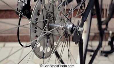 roue, vélo, métrage, tourner, vieux, lentement, closeup