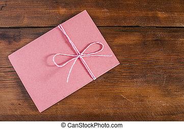 rouges, enveloppe