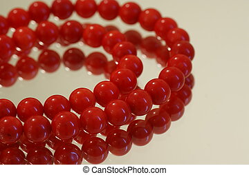 rouges, perles