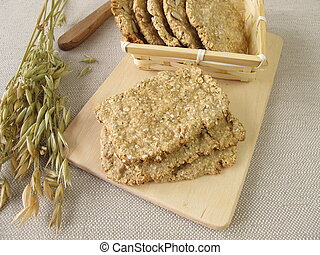 Round and square oats crispbread
