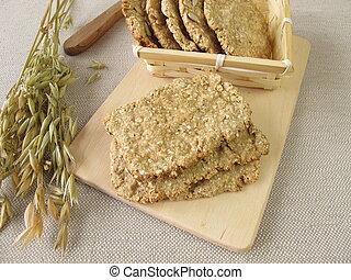 Round and square oats crispbread